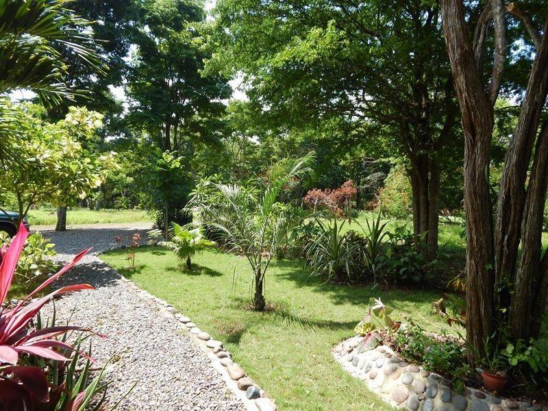 Casa en venta playa escondida esmeraldas (2)