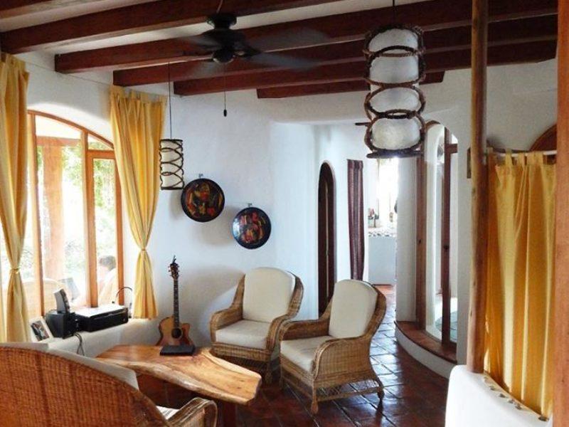 Casa en venta playa escondida esmeraldas (4)