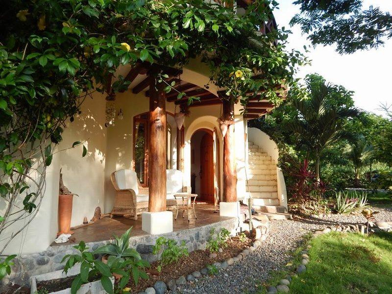 Casa en venta playa escondida esmeraldas (7)